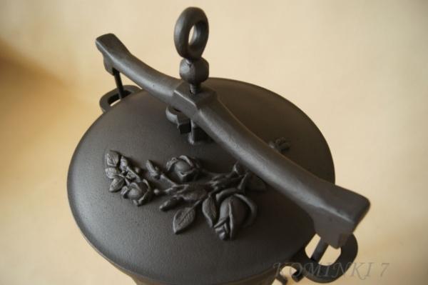Kociołek myśliwski żeliwny 36 l dodatek z brązu